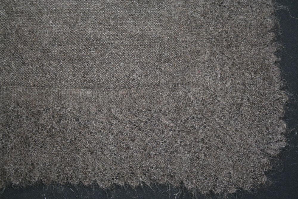 Пуховый платок ручной работы