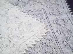 Ажурный платок (паутинка) ручной работы